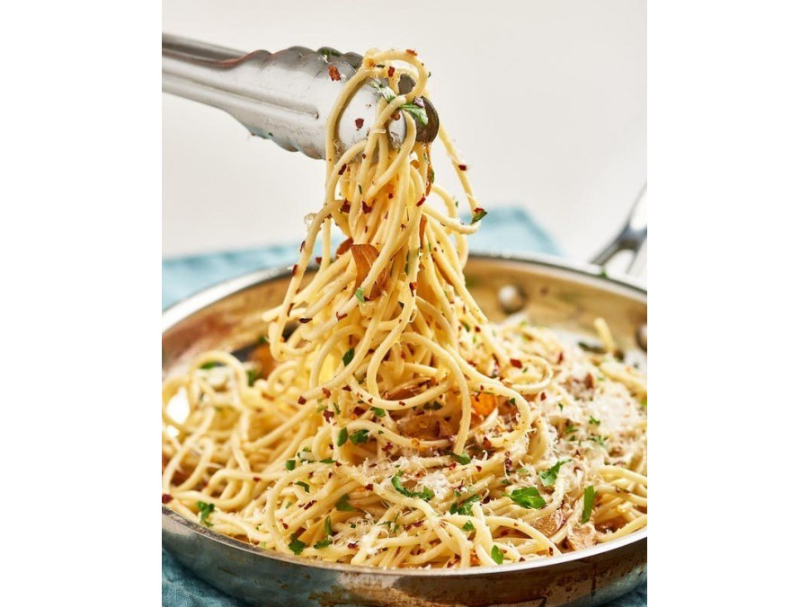 14. Alla aglio ,olio,pepernocino